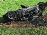 Star al emisiunii Top Gear, implicat intr-un accident dramatic dupa ce masina lui s-a rasturnat si a luat foc. VIDEO