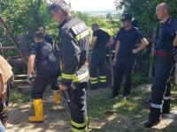 Un tanar de 21 de ani care sapa o fantana, prins sub un mal de pamant, la aproximativ 12 metri adancime