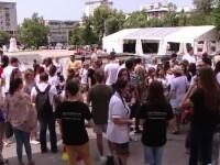 Sute de studenti au protestat la Universitatea de Medicina din Iasi: