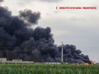 Incendiul din Balotesti, stins la 70 de ore dupa declansare. O fabrica de mobila si un depozit au ars complet