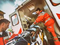 Două persoane în stare gravă la spital, în urma unei explozii produse în timp ce făceau palincă