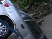 Inundaţii catastrofale în Alba şi Mureş. Un pompier era să fie luat de viitură
