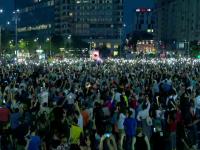 """Mii de oameni au aplaudat pe străzi condamnarea lui Dragnea: """"Avem o bucurie după atâtea zile de proteste"""""""