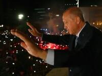 Studenţi turci, arestaţi pentru insultă la adresa preşedintelui. Bannerul afișat