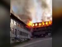 """Incendiul de la mănăstirea din Suceava, pornit de la o sobă. """"Fumul se vedea de la 40 km"""""""