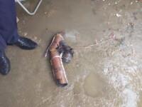 O rachetă antigrindină a căzut pe casa unei familii din Prahova. Locuința tocmai fusese inundată