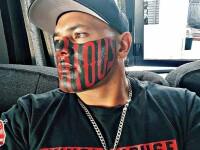 Bărbatul cu un tatuaj imens pe față se plânge că nu își găsește job. Ce reprezintă desenul