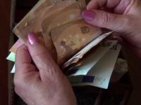 """Metoda """"accidentul"""" a lăsat o femeie fără banii strânși în 10 ani: """"Au zis că paralizează"""""""