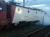 O locomotivă a trenului București - Timișoara a luat foc. 200 de călători evacuați