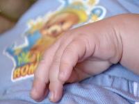 Profesorul de religie din Alba care ar fi lăsat însărcinată o elevă și-a recunoscut copilul