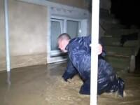 Viituri devastatoare în mai multe localități. Apa a măsurat și 1 m în locuințe
