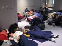 MAE intervine în cazul elevilor abandonați pe aeroport. Toți vor ajunge la București