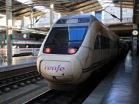 Un tren de mare viteză a deraiat în Spania. S-a ciocnit cu o mașină căzută de pe un pasaj
