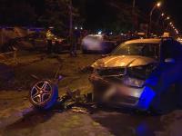 Accident grav în București. Două mașini s-au ciocnit frontal și alte patru au fost avariate