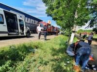 Accident grav în Galați. Şapte persoane au fost rănite în urma ciocnirii dintre un tir şi un microbuz