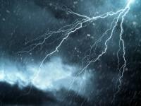 Cod portocaliu de furtună şi cod galben de instabilitate, în mai multe regiuni ale ţării