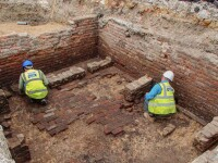 Și-au reconstruit casa și au descoperit cel mai vechi teatru din Londra