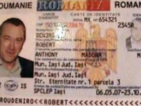 """Robert de Niro"" din Iași, prins cu o sacoșă de droguri asupra sa"