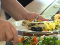 Motivul pentru care românii care vor merge la mare sau la munte nu vor avea unde să mănânce