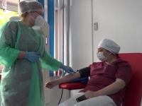 O asistentă medicală, vindecată de Covid-19, a devenit primul donator de plasmă din județul Alba
