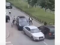 Nouă persoane au fost reținute în urma bătăii cu bâte din Craiova. Patru mașini au fost avariate
