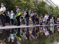 Mii de persoane au format un lanț uman la Berlin, în semn de protest împotriva rasismului