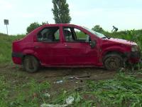 Un șofer fără permis a intrat cu mașina în lanul de porumb. Fiica lui de cinci ani, rănită