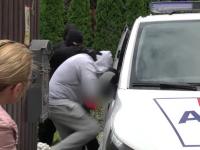 Percheziții de amploare la gruparea care a înșelat mii de români cu locuri de muncă în străinătate