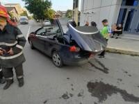 O femeie din Constanța și-a prins capul în sistemul de decapotare al mașinii. În ce stare e