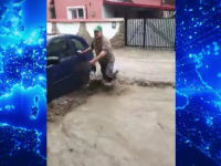 """România, măturată de șuvoaie uriașe. Râurile ating cote istorice: """"Nu am văzut în viața mea așa ceva"""""""