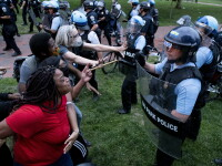 Violențe lângă Casa Albă. Protestatarii au vrut să dărâme statuia președintelui Jackson