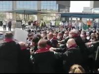 Sute de avocați turci, împiedicați de polițiști să intre în Ankara pentru un protest
