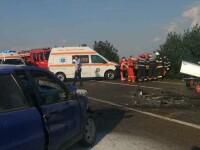 Un mort şi trei răniţi, după ce două maşini s-au ciocnit în Ialomița