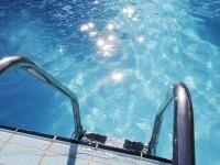 Zece copii au fost intoxicaţi cu clor în piscina unui complex hotelier din Mamaia