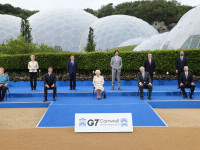 Regina Elisabeta a II-a, la fotografia de grup cu liderii G7: