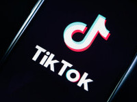 TikTok și-a pus celebrul algoritm în vânzare