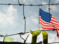 Restricţiile la frontierele SUA cu Mexic şi Canada au fost prelungite cu o lună