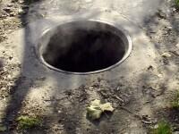 La un pas de moarte, dupa ce a cazut intr-un canal descoperit!