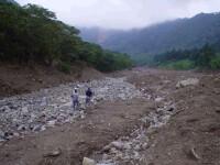 Alunecari de teren in Dambovita, Mehedinti si Arges! 3000 de oameni izolati