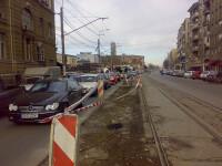 Accident grav in Capitala! A intrat cu masina in refugiul de tramvai