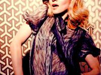Madonna a dat-o in febra adoptiilor!