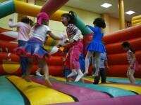 Americanii isi pregatesc copiii pentru piata muncii inca de la 2-3 anisori