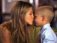 Jennifer Aniston, o mama singura!