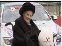 Aterizeaza strabunica: la 106 ani, Dulcibella e pilot de curse!!!