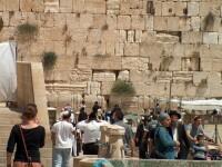 Peste 500 de milioane de dolari, gasiti intr-un plic, in Zidul Plangerii din Ierusalim