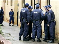 Scandal in Australia: politisti surprinsi lovind un suspect neinarmat