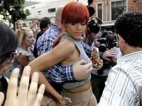 Bodyguardul si cantareata. Rihanna e pe maini sigure