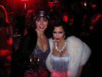 Kim Kardashian este o diva din anii \'20 la petrecerea Evei Longoria! FOTO