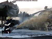 Accident exploziv pe o autostrada din SUA. 30 de tone de motorina au bubuit