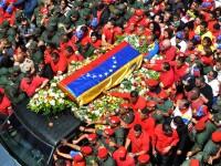 Ultimele cuvinte ale lui Hugo Chavez: sute de mii de oameni au condus sicriul sau in Venezuela